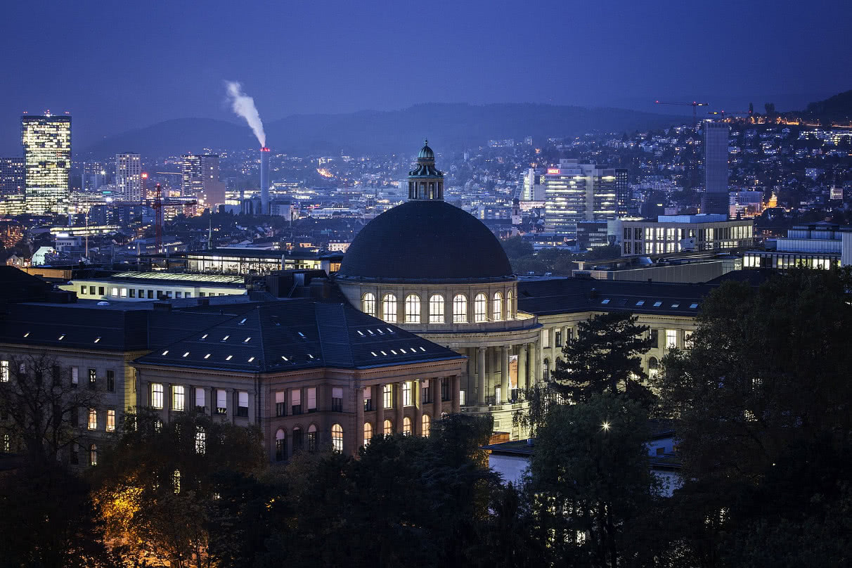 Main building of ETH by night